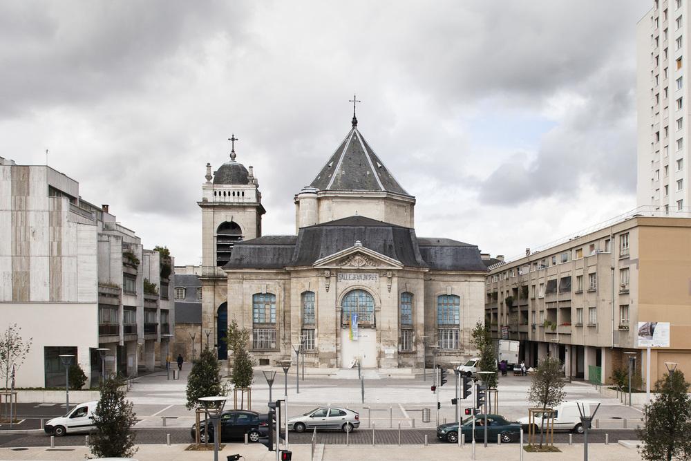 19-Choisy le Roi  - Avenue jean jaures vers salle Jean Jaures -2011.jpg
