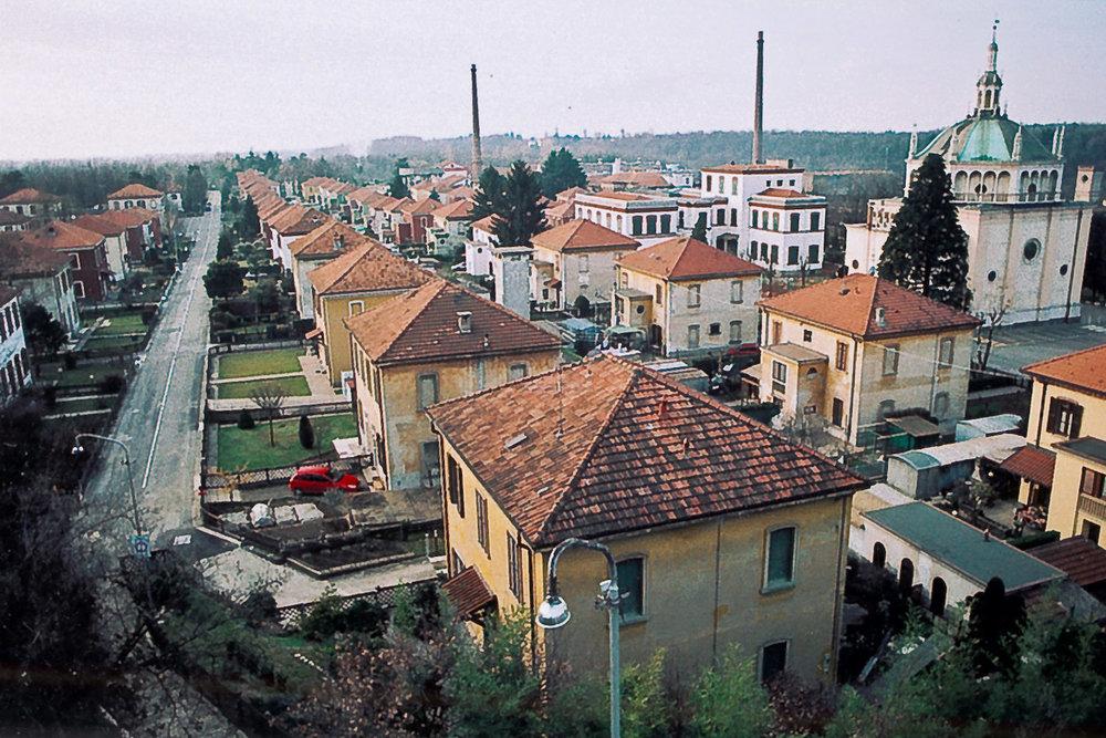 15-Village ouvrier de Crespi d'Adda-Italie-2006.jpg