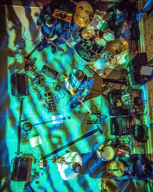 Boy was last night a blast performing at the Wayward Cube event hosted by @ryzinskibolek  Thank you to everyone who came out and rocked with us 🤘 . . #polyvamp #columbia #columbiauniversity #topdownview #improv #rock #funk #electronic #jazz #livemusic #westharlem #harlem  #guitar #drums #conga #bass #saxophone #keyboard #funky  special thanks to @jeremysgordon for the crispy 📷