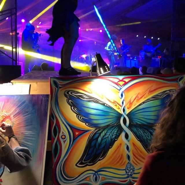 We had a blast at @disc_jam_festival this weekend! THANK YOU to @lotus @spacebacon @thedjlogic @themotet @kungfuband @thedjlogic @considerthesourcemusic @beatsantique Pt. 1 of 2 . . #festivalseason #discjam #livemusic #jamtronica #liveart #ny #upstateny #improv #liveimprov #livehorns #electronic
