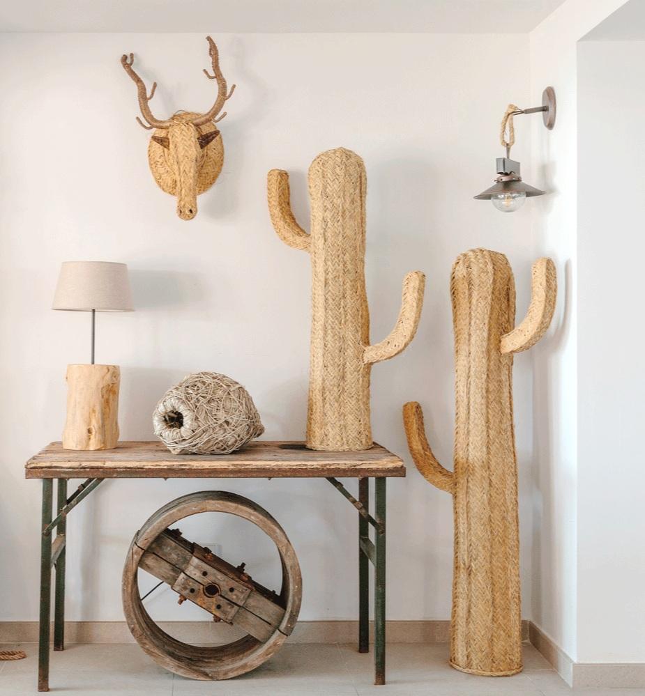 Cactus Esparto / Cabeza Reno Esparto / Lámpara Tronco / Proyecto de Paula Téllez + Fotografía de Jaume Rabassa