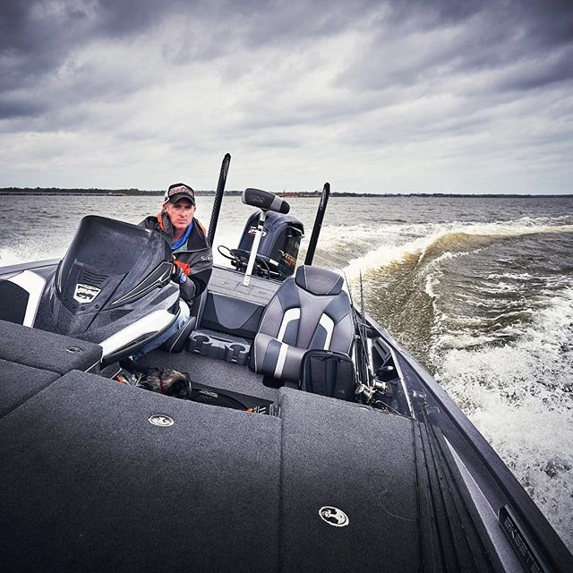 V2 - The master of Lake fork bass Andrew Grills @andrewgrills_lakefork  Getting me on big fish fast! Don't forget JJ the pooch scouting spots for us! #skeeterboats #bass #bassfishing #bassboat #fishing #largemouth #lakefork #sky #water #lake #lakefork #clouds #shimano #photographylife #photographer #prophotographer #sonya7riii #yamahaoutboards