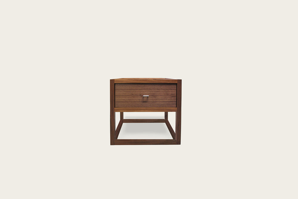 Petits Fours Nightstand in walnut - Speke Klein