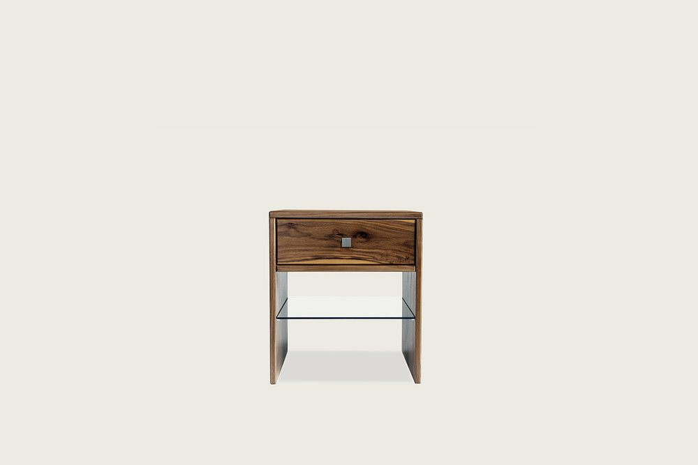 Touch Side Table in walnut - Speke Klein