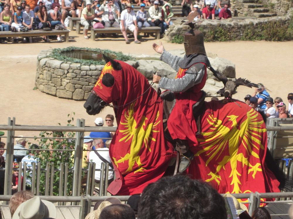 Spectacle des chevaliers médiévaux au Puy du Fou