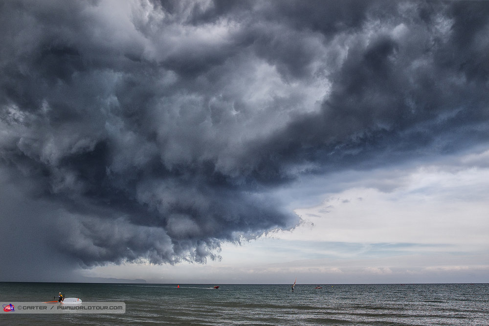 CB18_ls_Storm_clouds.jpg