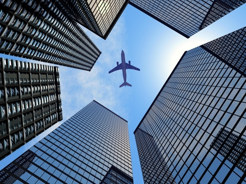 dreamstime Airplane Overhead_xs_20383931.jpg