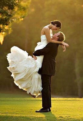 f7e898eb77456dba2f0eBride in air 3ed67a1b67af--spring-wedding-photography-wedding-photography-for-photographers.jpg