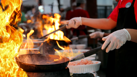 dreamstime chef cooking flames_xs_44500874.jpg