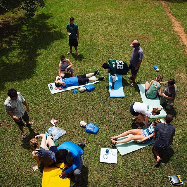 Don't worry, it's just practice!  We're happy to host @broadreach here at Monkey Bay for their #wildernessfirstresponder #training !  #cprdummy #firstaid #survivors #Belize #monkeybay