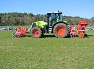 Wox Agri Services will demonstrate the Güttler Greenmaster Grassland Management System.