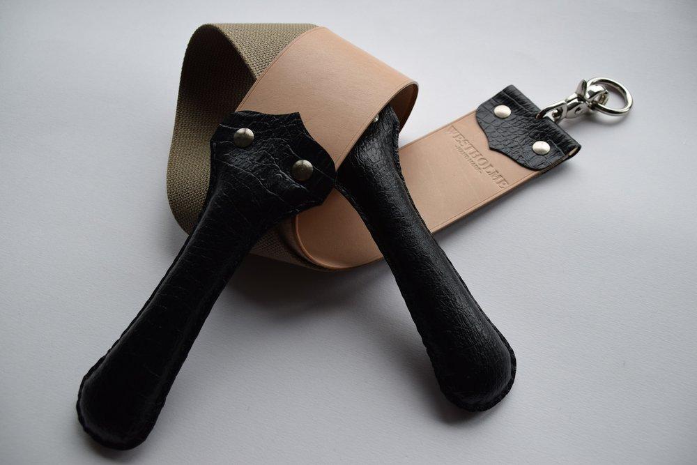 "2.5"" Kangaroo Hide & Heavy Cotton  (Natural with black faux-croc handles)"
