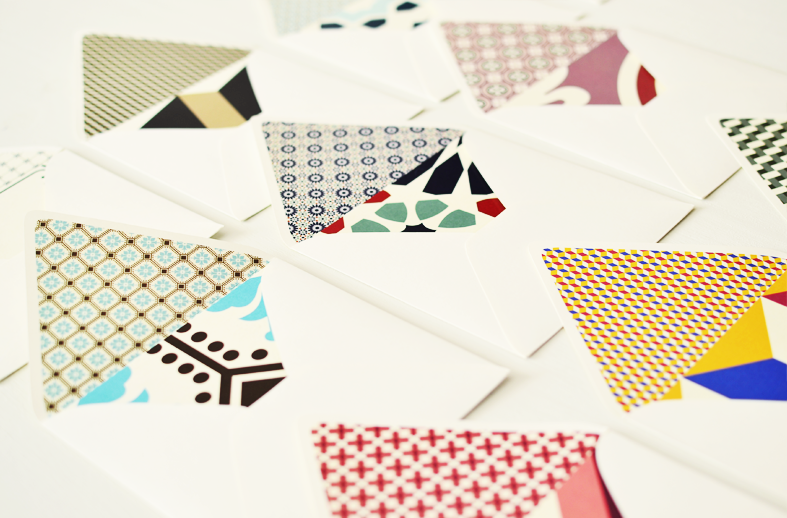 beija-flor postcards envelopes