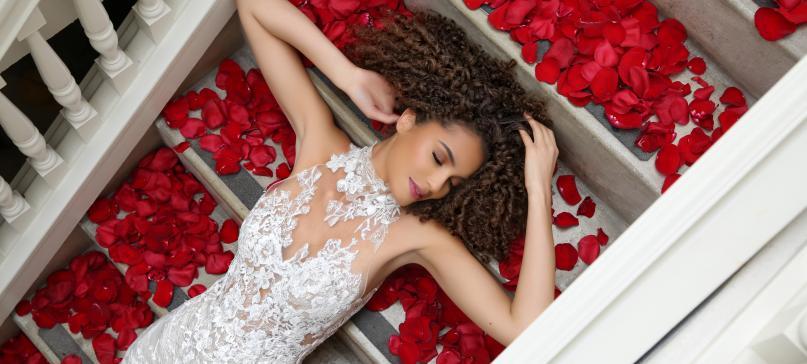Miosa-Bride_Enzoani-Styled-Shoot_Roses_FI_01.jpeg