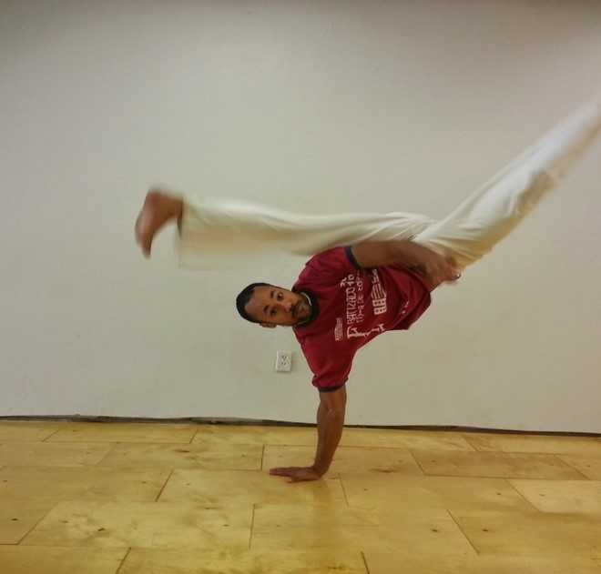 Capoeira Academy of Gainesville    http://capoeiraacademyofgainesville.weebly.com/