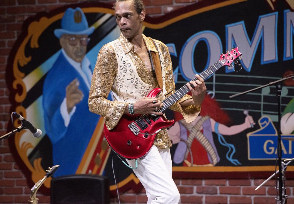 Scott Free (Hendrix Tribute photo by Suzanna Mars).jpg