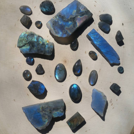 Raw Labradorite Slabs, Tumbled & Polished & Faceted Cabachons