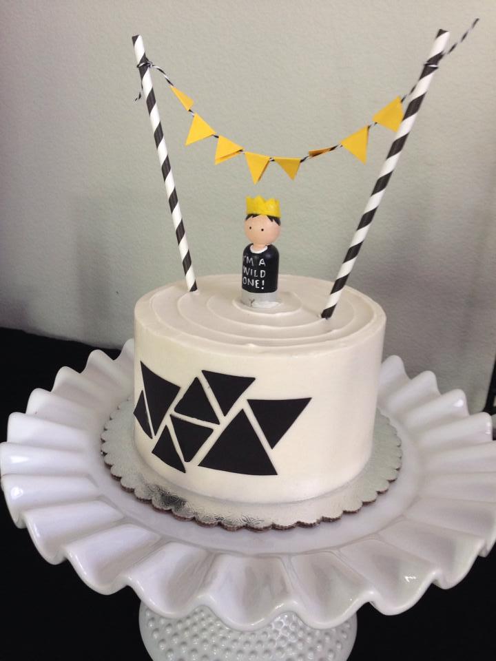 plain smash cake.jpg
