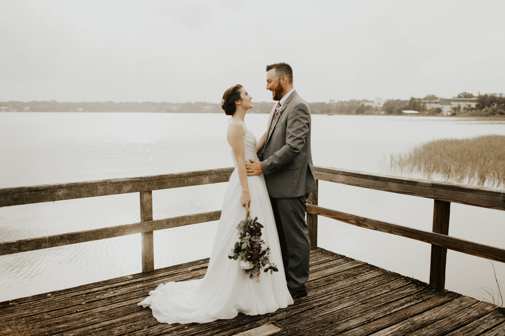 CHARMING, INTIMATE FALL WEDDING IN LAKELAND, FL | LAKELAND WEDDING PHOTOGRAPHER