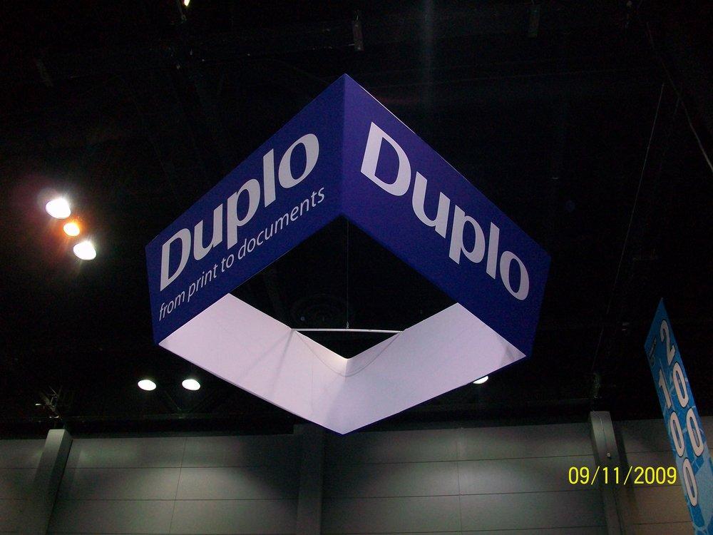 Duplo BoothOverhang.jpg