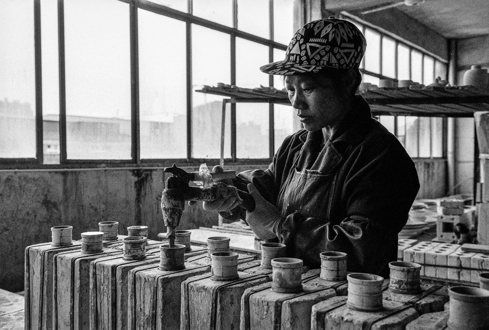 Shine_Huang_porcelain_workers_01.jpg