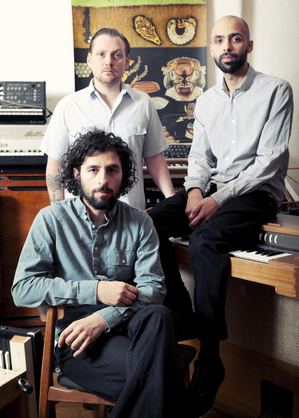 JUNIP Tobias Winterkorn,Elias Araya,José González