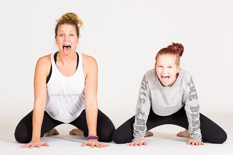 Global_yoga_kids_yogafoto_38_webb kopia.jpg