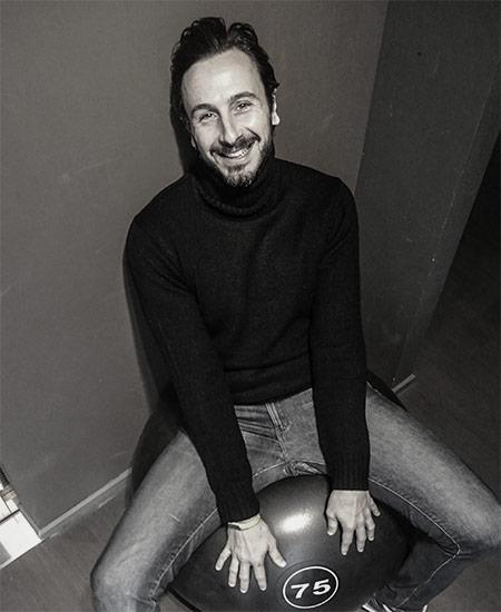 Leonardo Dei architetto Project Manager Il filo conduttore tra progettazione ed esecuzione, essenziale. E' anche simpatico e divertente - migliora spesso l'umore in azienda!