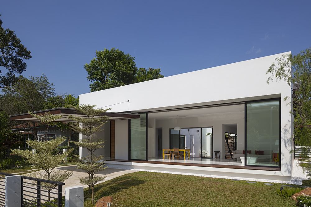 Mandai_Courtyard_House_Atelier_MA_Robert_Such_2012_001.jpg