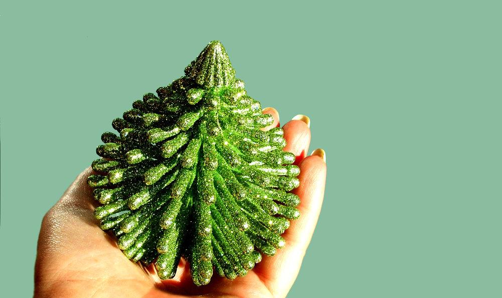 christmas-tree-1444041.jpg
