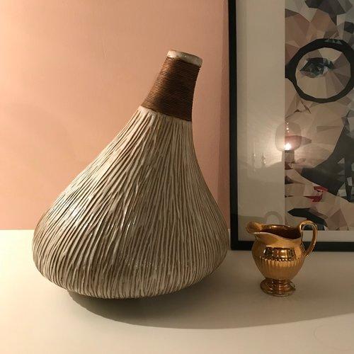 Large Vessel Vase Tin Design