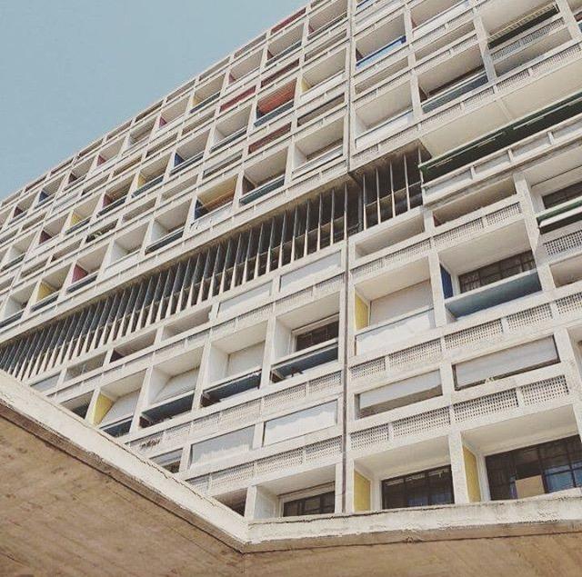 08/2016 - Sommerferien er over for denne gang og Dyvik og Fasting Arkitekter er i full sving igjen - vi har fått litt inspirasjon i ferien fra bl.a. Le Corbusier Unité d´habitation i Marseille, Frankrike.