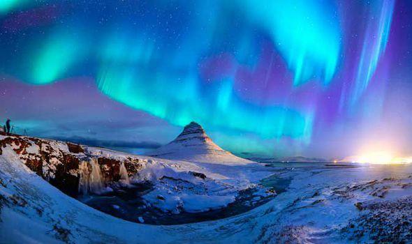 Everything travelust everything travelust iceland northern lights fandeluxe Gallery
