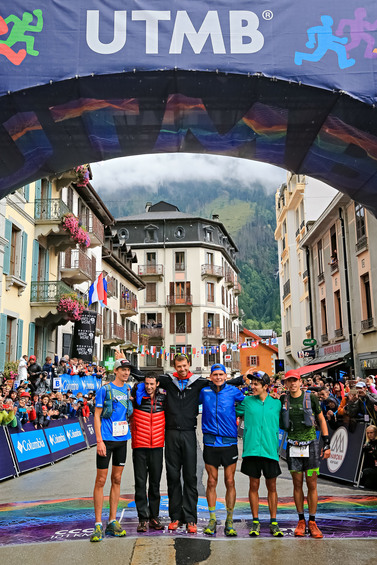 The top six finishers in the UTMB (Franck Oddoux)