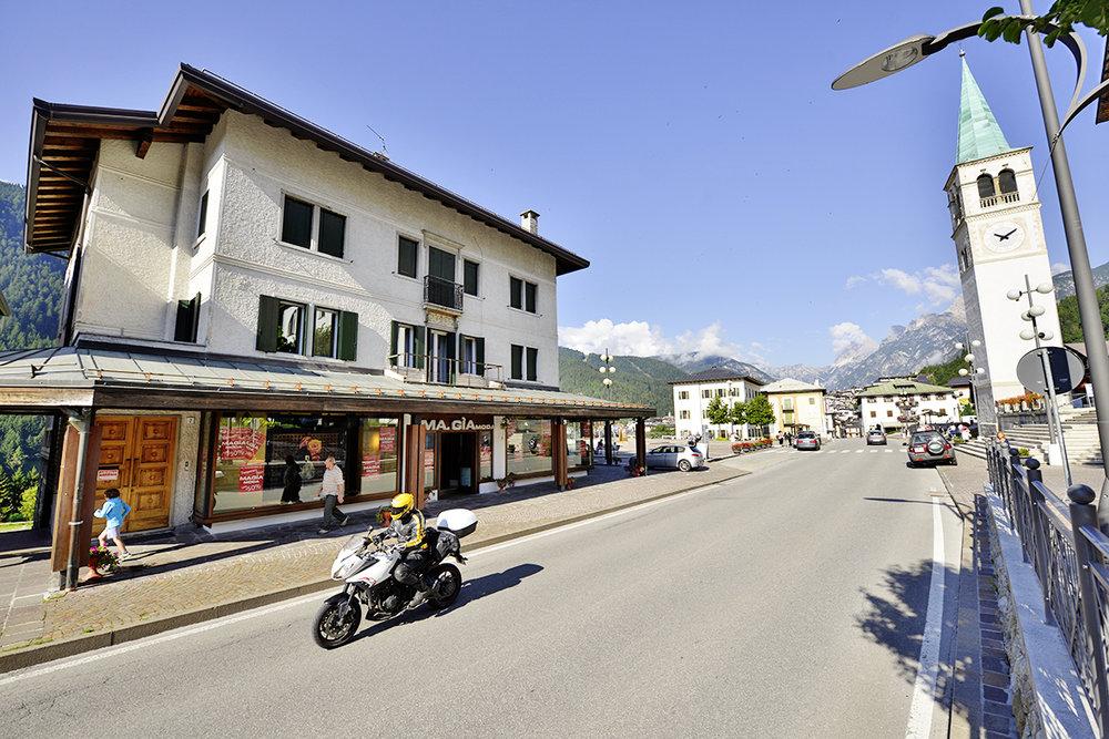 Alpine town002.JPG