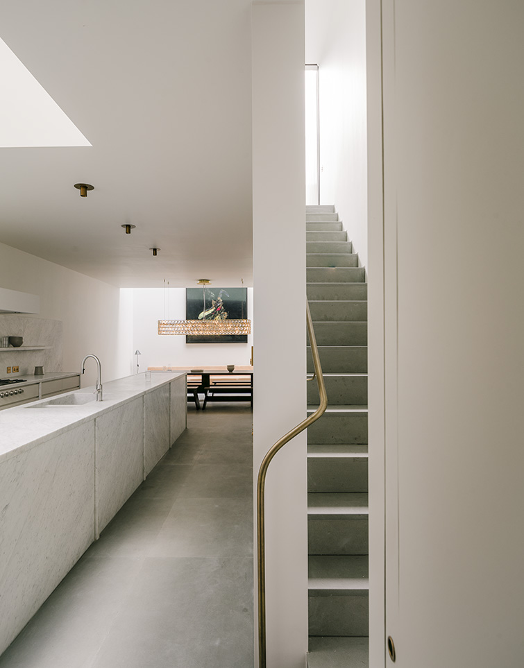 15-08 Eccleston Street-Gabriel Chipperfield_Simon Menges_final_Page_04_Image_0001.jpg