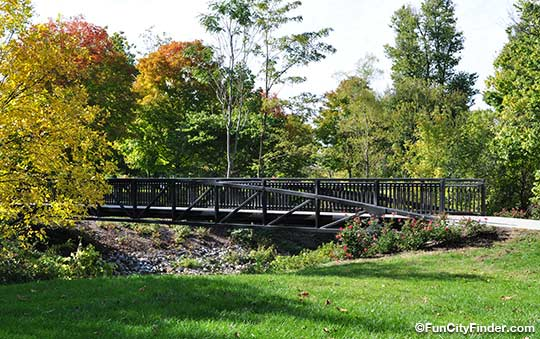 Bridge-in-Garfield-Park-540.jpg