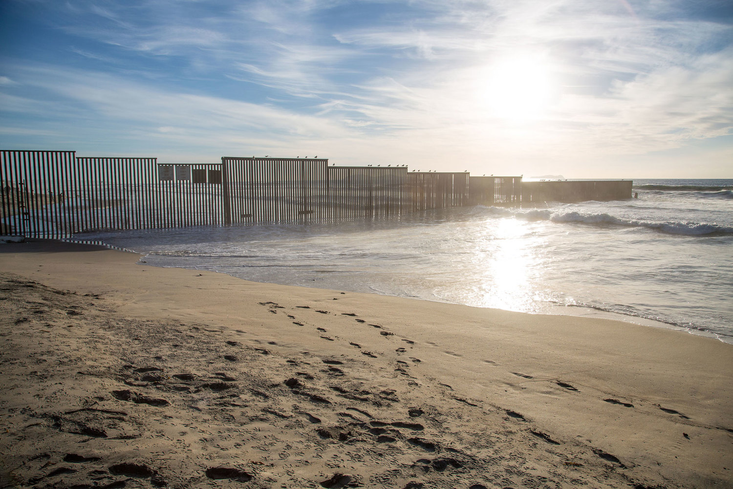 Image Gallery Building The Border Wall An International - Us sea border map