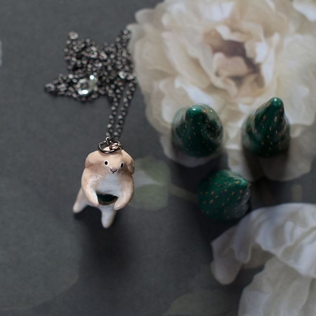 I have been seeing so many baby bunnies around the yard lately. They are so cute! I made this lop-eared rabbit amulet with Moss Agate a while back. She is still available in the shop. #onewilderness