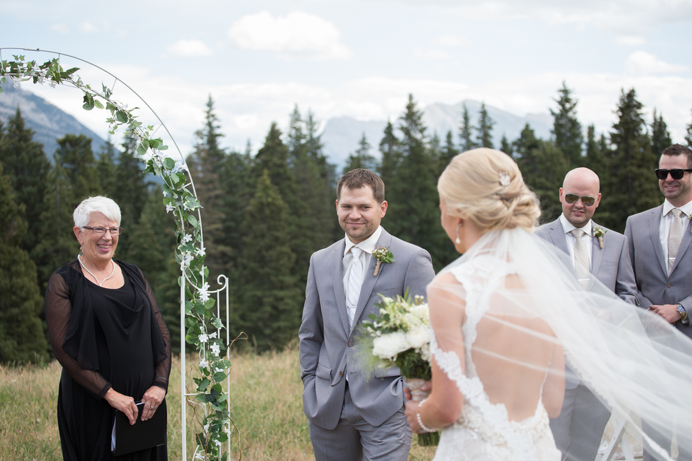 Canmore Alberta wedding photography outdoor ceremony inspiration