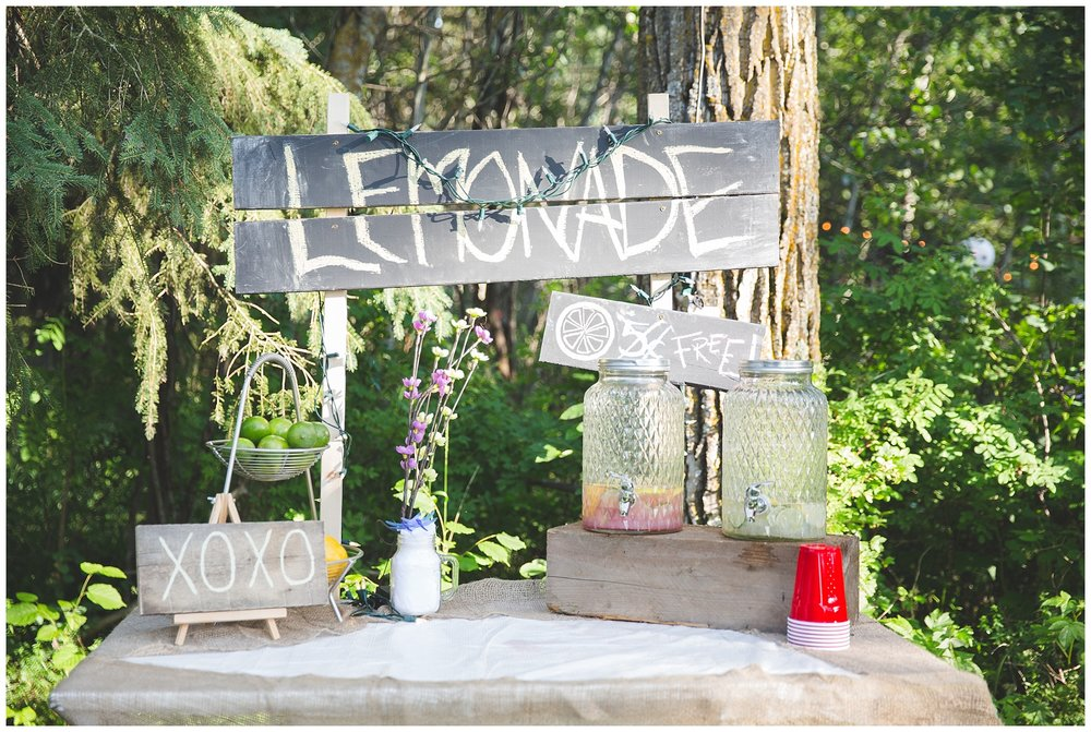 Wedding day lemonade stand