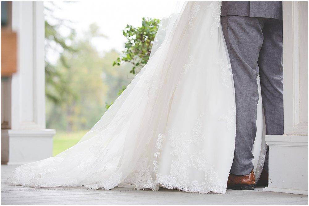 Calgary wedding photography at Inglewood Bird Sanctuary