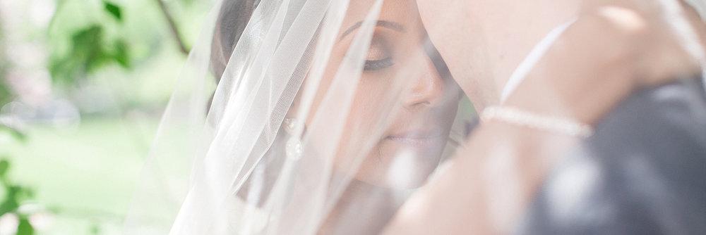 Wedding photograph at Lougheed House in Calgary, Alberta