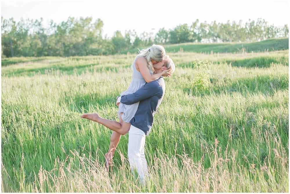 Calgary_Engagement_Photography_Fish_Creek_Park_14.jpg