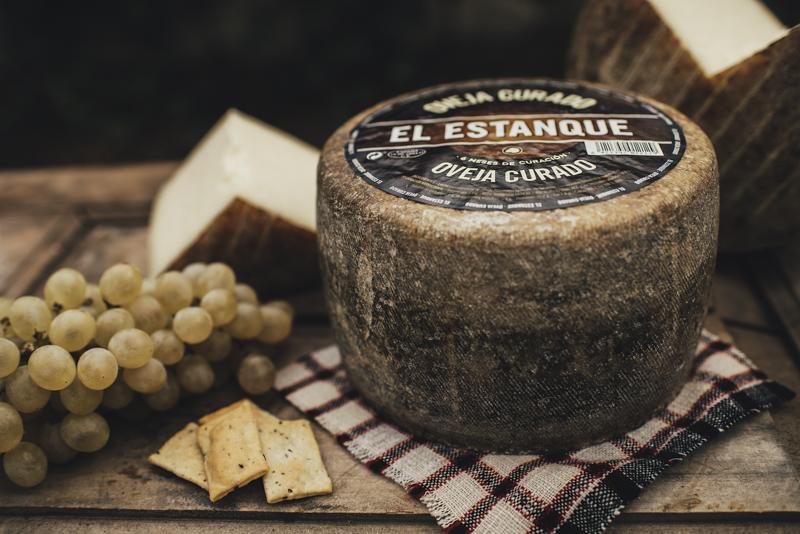 Estilismo fotográfico para marca de quesos   El Estanque