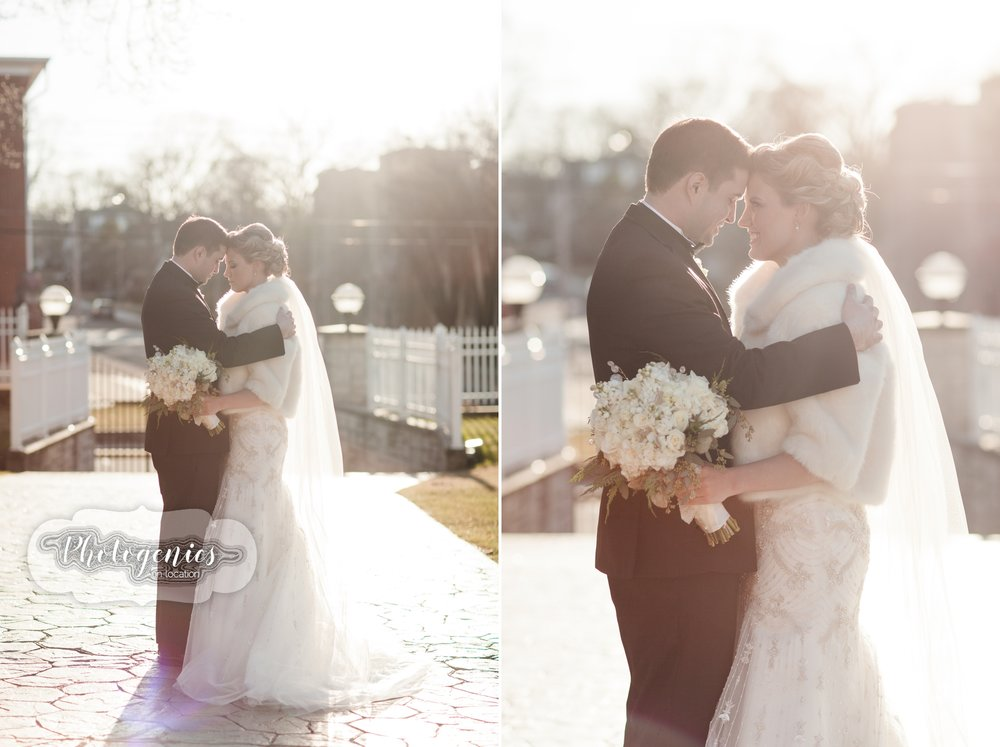 nye_wedding_new_years_eve_sunset_winter_light_photography_poses.jpg