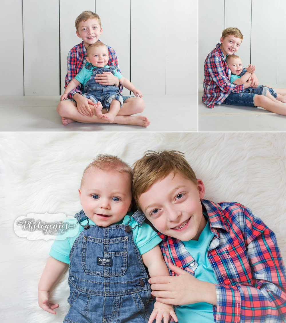 sitting_up_session_siblings_photography_ideas_boy_props_poses_cute_bowtie_hat_studio