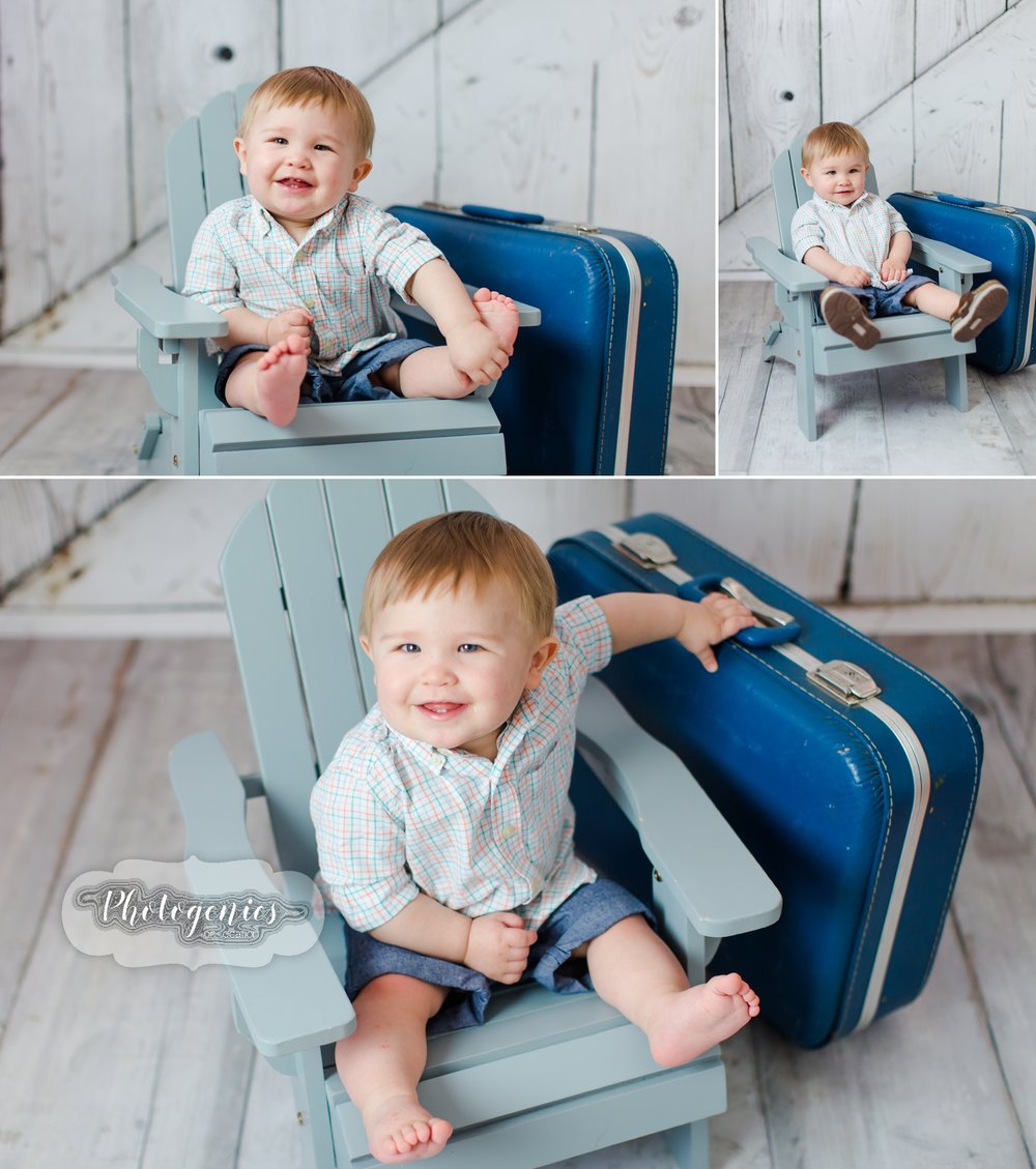 family_of_four_photography_poses_boys_brothers_ideas_birthday_photos_pictures_spring_props_suitcase_12_mos_indoor 2.jpg