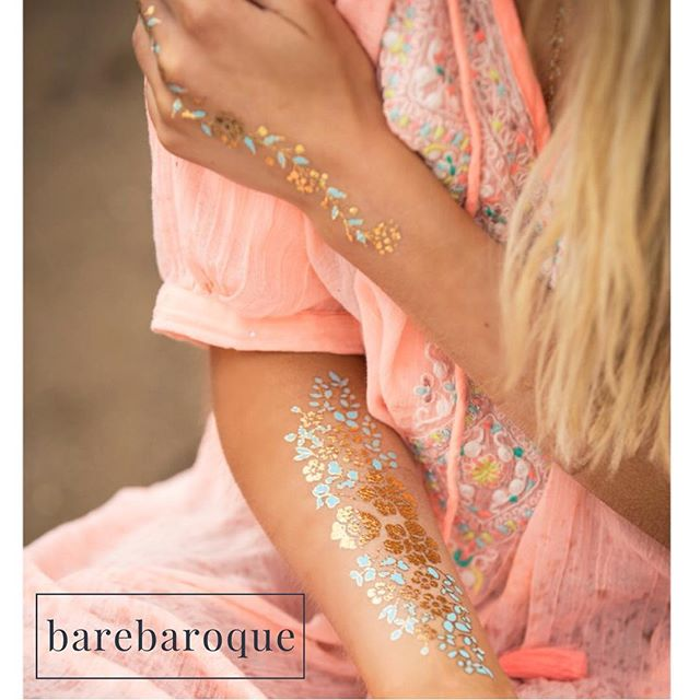 Favourite design right now #beach #flowers #turquoise #gold #metallictattoo #barebaroque #bareyourtat #style #fashion #trend #blond #bodyart