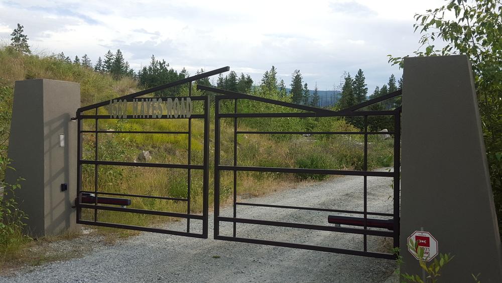 Gate mimics roof lines